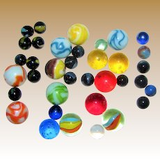 33 Vintage Marbles, Shooters & Standard Marbles, Marble King