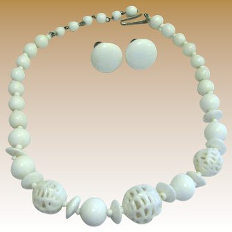 50's Milk Glass Choker Necklace & Earring Set, Unusual Lattice Beads!