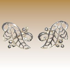 Vintage Silvertone Leaf Screw Back Earrings