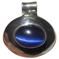 Mexican Sterling Pendant w/ Blue Cats Eye Stone, 13 grams