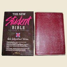 The Student Bible New International Version NIV - Zondervan - Bonded Leather in Original Box, Like New