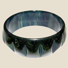 Vintage Ocean Blue Carved BAKELITE Bangle Bracelet