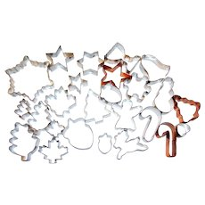 25 Metal Holiday Cookie Cutters