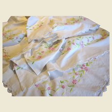 """Charming Vintage 100"""" Hand Embroidered Tablecloth"""