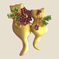Loving Kitties w/ Enameled Leaves & Glass Seed Berries Pin