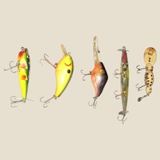 "Five Vintage Fish Lures 2 1/2"" - 4"" (excluding hooks) No Makers Marks, VG"