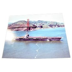 "Photograph of USS Carl Vinson (CVN-70) U.S. Navy Nimitz Class Super Carrier under the Golden Gate Bridge 1980's 8"" x 10"" in Excellent Condition"