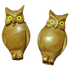 Cute Halloween Miniature Black Forest Carved Owl Pins
