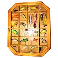 Vintage Fishing Lure Display with 24 Lures, Excellent Condition