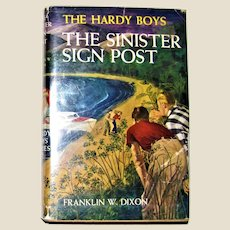 The Hardy Boys: The Sinister Sign Post by Franklin W. Dixon; HCDJ 1936 VG