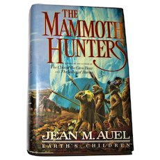 Earth's Children: The Mammoth Hunters by Jean M. Auel (1985, HCDJ) 1st Ed, Nearly New