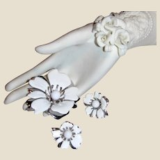 Summery Sarah Coventry White Enamel Pin & Earring Suite