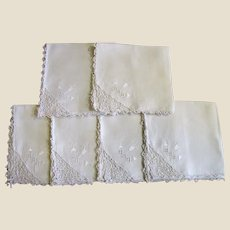Lovely Set of 6 Napkins, Lace, Embroidery, Pretty!