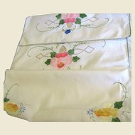 Beautiful Madeira Table Runner, Wonderful Handwork!