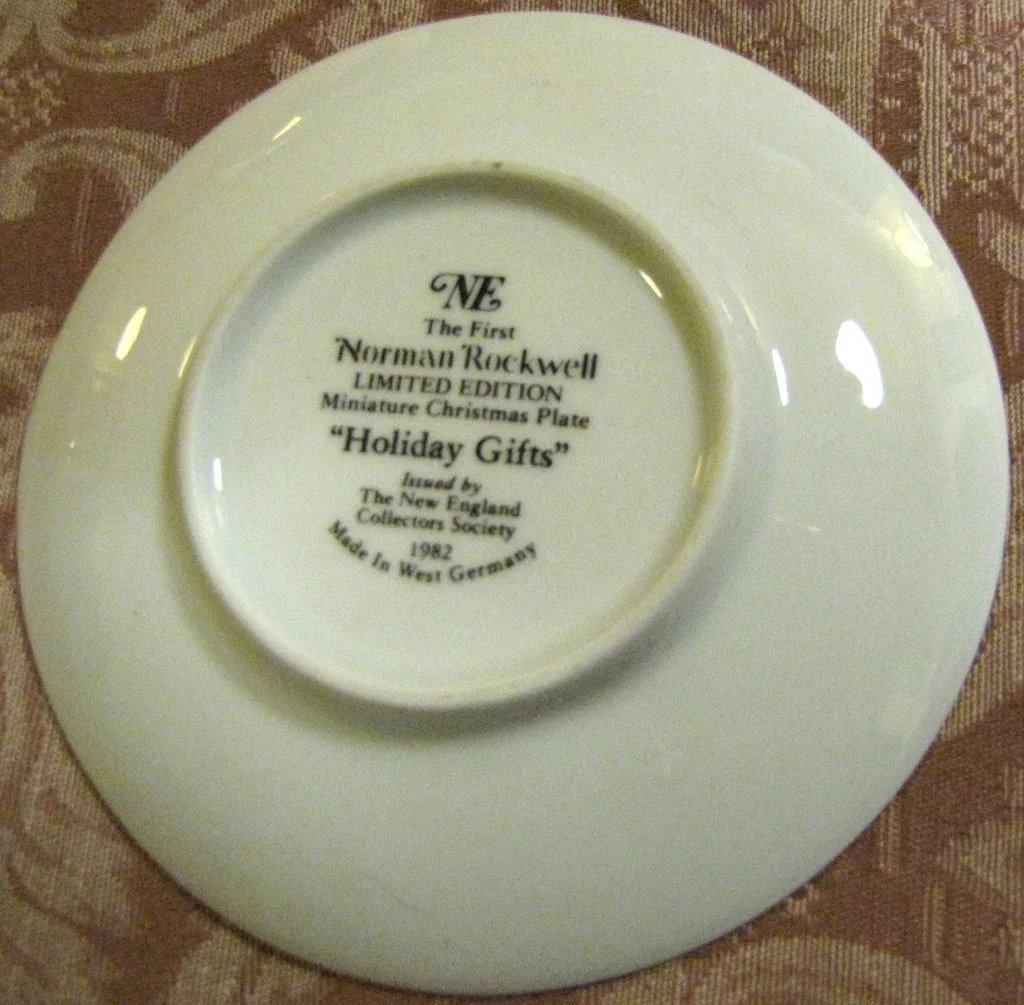 Norman Rockwell 1982 Miniature Christmas Plate \