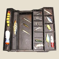 Vintage Tackle Box   Leatherette Covered