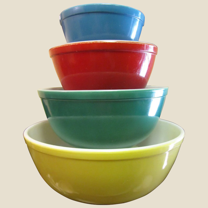 Pyrex Nesting Bowls Yellow Green Red Blue Set Of Four Vintage Pyrex