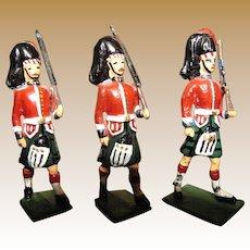 3 Vintage Napoleonic 92nd or 95th Rifle Afoot Scottish Highlander Regiment Lead Soldiers, 60mm
