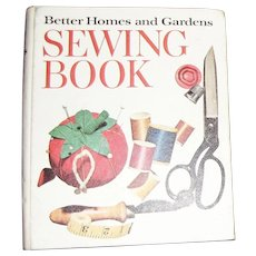 Better Homes and Gardens Sewing Book 1970 Ring Binder Clothing Patterns Guide