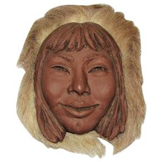 Sculpture Eskimo Woman, Signed by Talmadge, Medium Clay and Animal Hair, Alaska, Native American, Fine