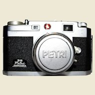 Petri 35 Super 28 Color Corrected Kuribayashi 35mm Lens Camera With Case
