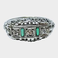 Elegant Diamond Emerald 18K White Gold Filigree Ring Fine Vintage