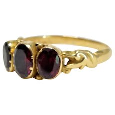 18K Yellow Gold Garnet Ring Victorian Three Stone Fine Beautiful