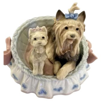 Boxed Vintage LLadro Figurine of Dogs in a Bed Marked 1997