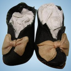 """2 1/2"""" Black French Heeled  Oil Cloth Doll Shoes"""