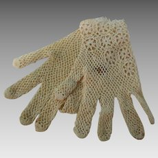 Vintage Small Cream Crocheted Gloves