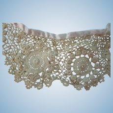 "Vintage 22"" L  Irish Lace Collar For Dolls"