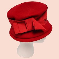 Vintage Red Wool Flapper Clouche Hat