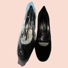 Newport News Black Velvet Heels 9B NEW
