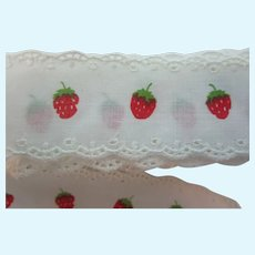 "Vintage 1 1/2"" Strawberry White Embroidered Trim 6 Yds"