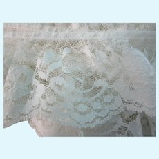 "Vintage 2 1/2"" - 220"" Bolt Cream Roses Scalloped Lace"