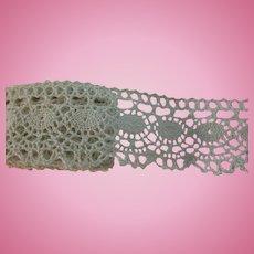"""Vintage Ecru Cotton Crochet 1 1/2"""" Lace Doll Trim"""