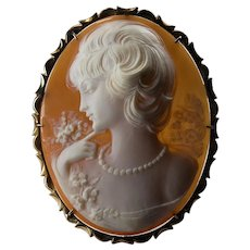 Carved Natural Shell Cameo Pendant 14k Gold Signed G Noto Cameo Brooch