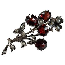 Antique Art Nouveau Rose Cut Bohemian Garnet Seed Pearl Sterling Clover Flower Brooch