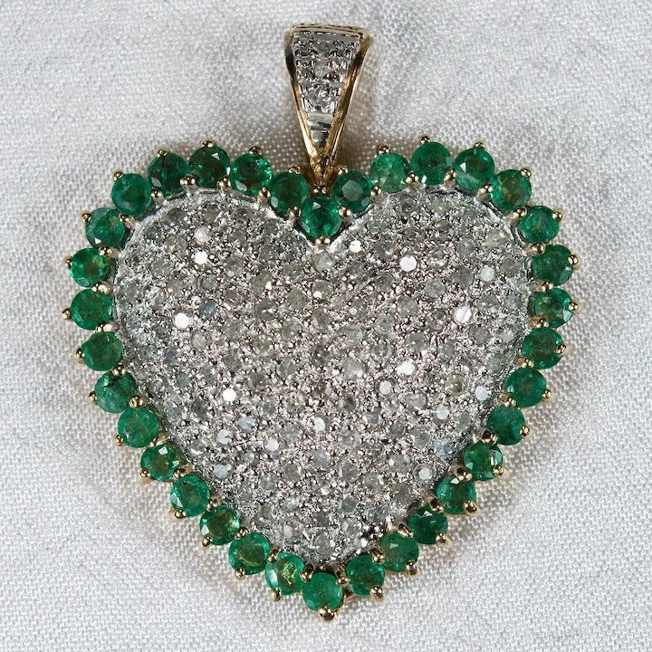pendant emerald jewelry cut white diamond solitaire gold gem