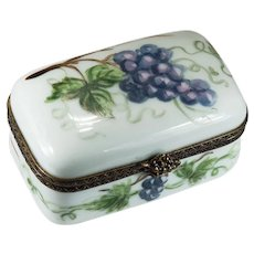 Limoges France Grapes Trinket Box Signed Peint Main 83 Grape Vine