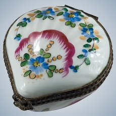 Limoges France Scallop Shell Trinket Box Hand Painted Signed Sea Shell