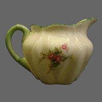 Shelley fine bone china red roses creamer cream pitcher green trim