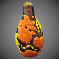 Peking cameo glass snuff bottle great colors goldfish and bubbles