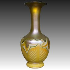 Quezal hooked feather decorated art glass vase B846 signed