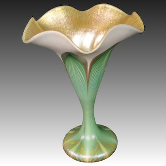 Quezal art glass pulled feather decorated sweet pea vase signed
