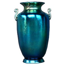 Steuben blue aurene stunning handled art glass vase urn form 6630 signed