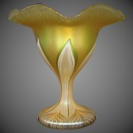 Quezal signed floriform pulled feather art glass vase