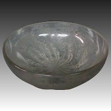 Rene Lalique art glass Chicoree pattern bowl model 3213 c. 1921