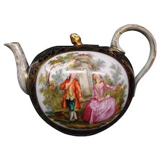 Dresden courting scene porcelain teapot Richard Klemm