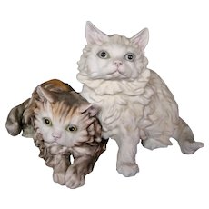Kaiser German porcelain bisque figurine of two long hair Persian cats original sticker